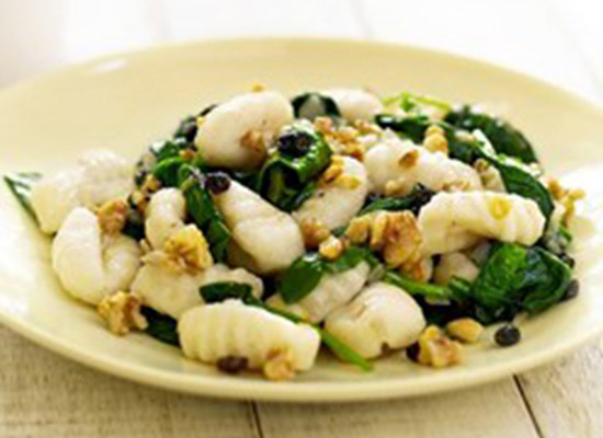 Gnocchi with Spinach and Walnuts recipe