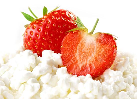 Strawberry ricotta cakes recipe